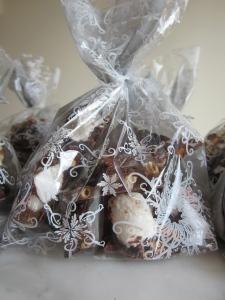 bark gift bag close up